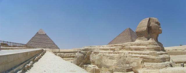 Les pyramides de Giza et le Sphinx