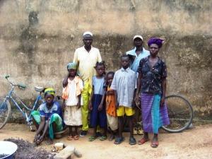 Saïdou avec un partie de sa famille